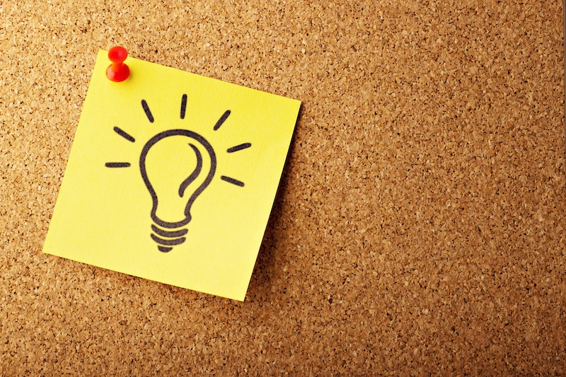 Image of a sticky note with a lightbulb